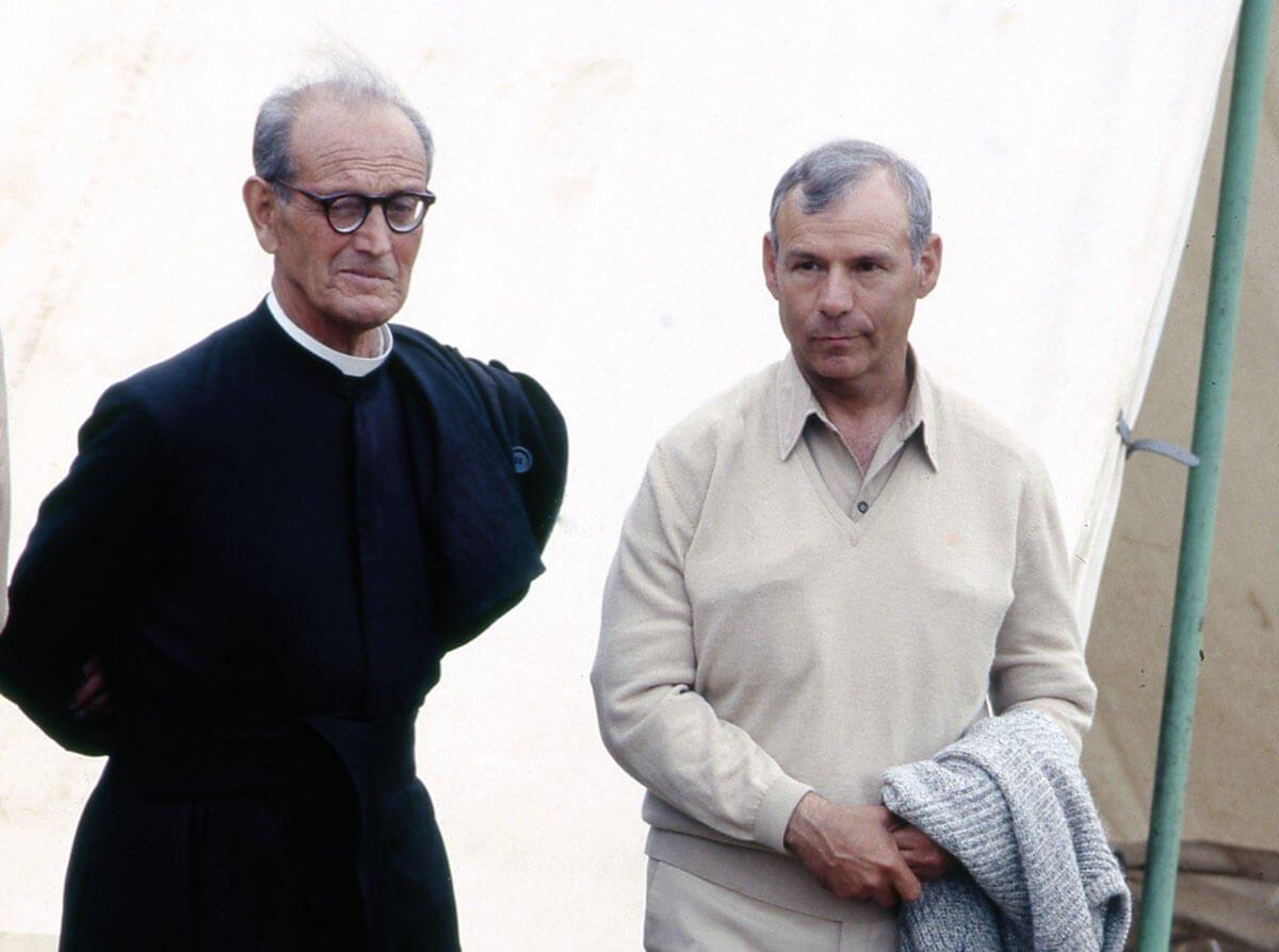 Abelardo y el P. Tomás Morales en el campamento