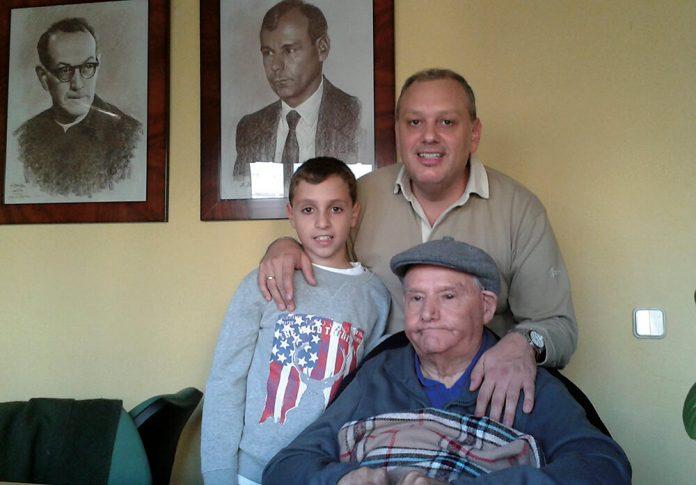 Michel y Toño Toraño con Abe