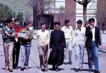 Jóvenes con el P. Morales
